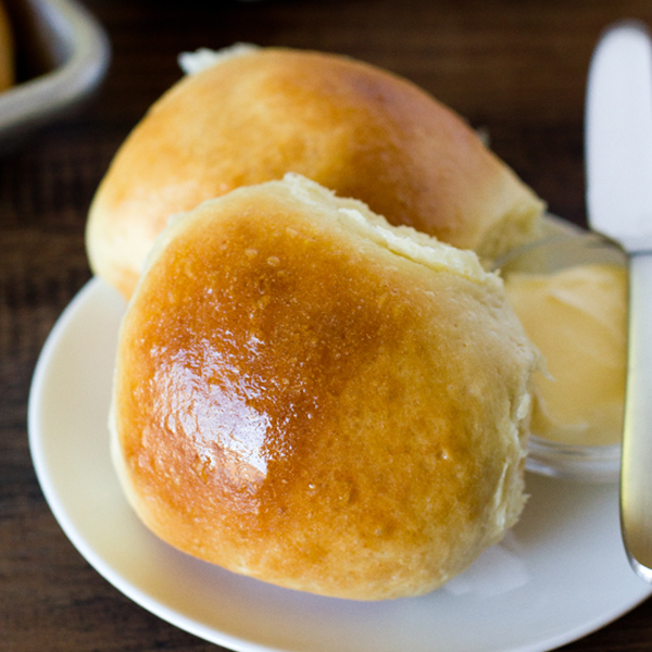 1 Hour Soft & Fluffy Dinner Rolls