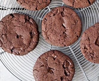 BEST-EVER CHOCOLATE CHIP COOKIES BY PAUL HOLLYWOOD