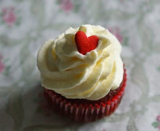 Red Velvet Cupcakes mit Creamcheese Frosting
