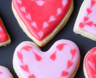 Iced Sweetheart biscuits