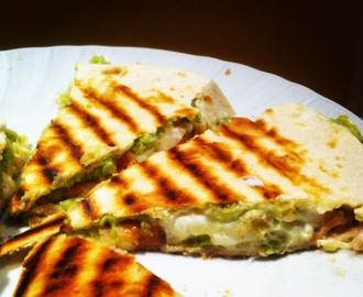 Quesadilla avocado e salmone