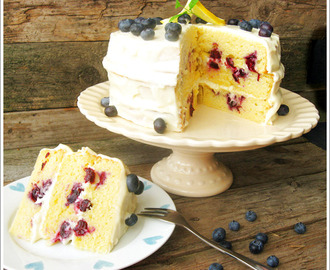 Lemon Blueberry Layer Cake / Zitronen Blaubeer Schichttorte