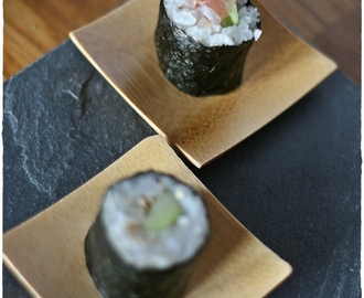 I miei primi sushi roll… Kappa Maki, Hosomaki e Uramaki con avocado e salmone – My first sushi rolls.. Kappa Maki and Uramaki and Hosomaki with avocado and salmone