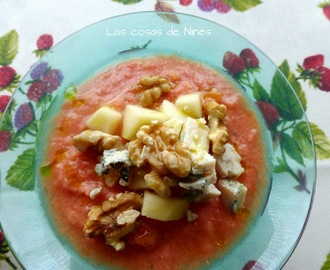 SALMOREJO CON MANZANA, NUECES Y QUESO AZUL- (Gazpacho with apple, walnuts and blue cheese.)