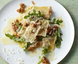 Ricotta and Walnut Ravioli with Arugula