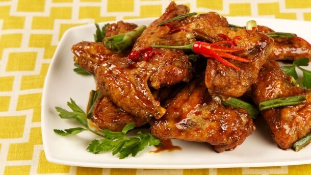 Chinese Sticky Chicken Wings 	             granulated sugar sodium-reduced soy sauce or tamari soy sauce rice vinegar or cider vinegar five-spice powder chicken wings white pepper vegetable oil green onions cloves garlic hot red pepper