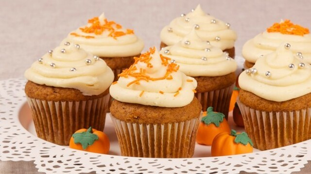 Pumpkin Spice Cupcakes 	             all purpose flour granulated sugar ground cinnamon ground ginger salt baking powder baking soda ground cloves eggs canned pumpkin vegetable oil butter icing sugar whipping cream vanilla