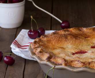 Double Crusted Cherry Pie {Tarta de cerezas americana}