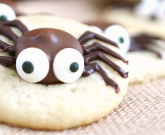 Halloween Sugar Cookie and Caramel Spider Cookies – 30 Days of Halloween 2016: Day 16