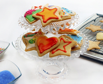 Shortbread Cookie Cut-Outs 	             butter cornstarch granulated sugar all-purpose flour icing sugar 1 L water food colouring