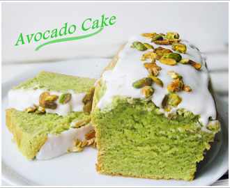 Avocado cake with lime icing and Pistachios / Avocadokuchen mit Limettenguss und Pistazien