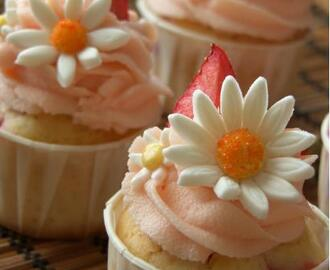 Strawberry Cheesecake Muffin