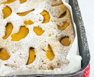 Torta alle pesche sciroppate / Cake with peaches in syrup