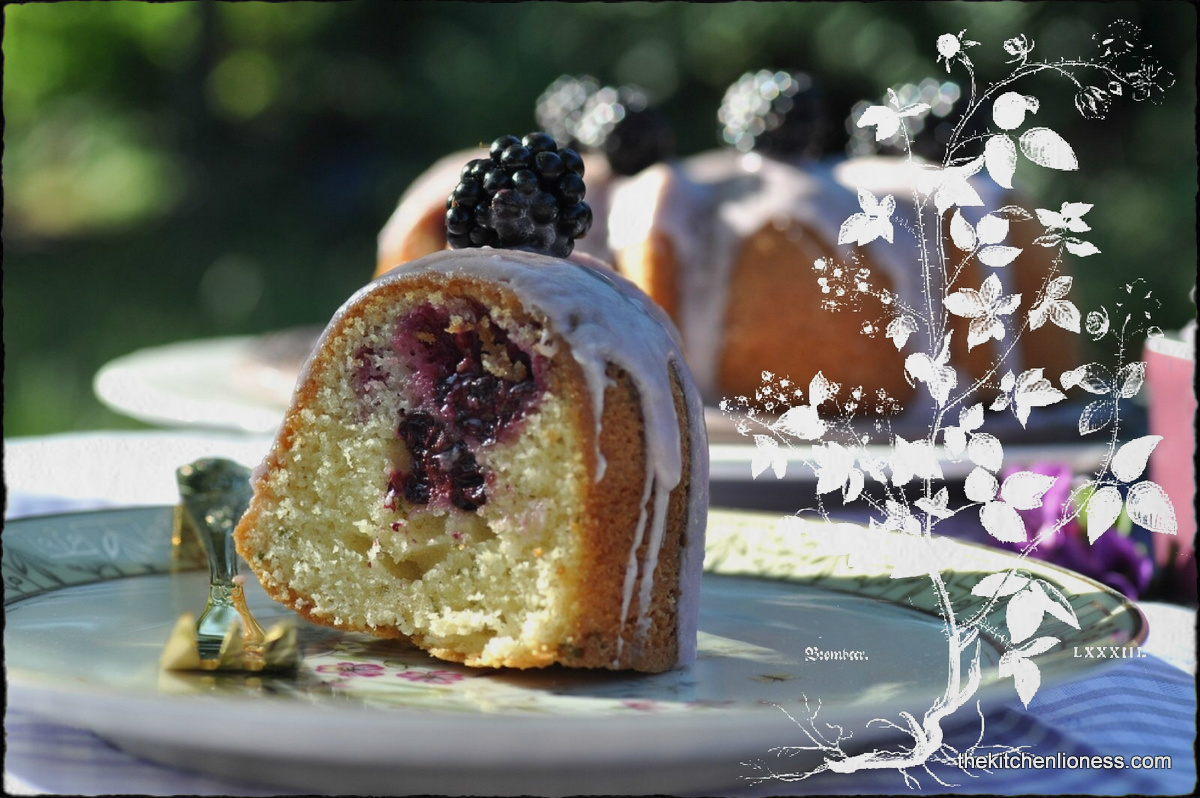 Blackberry Bundt with Lemon Verbena - Brombeer-Gugelhupf mit Zitronenverbene