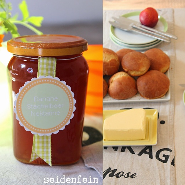 What a wonderful day ! Stachelbeermarmelade mit Milchbrötchen * gooseberry jam with muffin