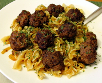 Seared/Baked Meatballs with Brown Gravy and Pasta
