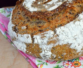 World bread day 2014: Pane con semi di lino a lievitazione naturale!!!