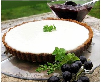 YOGURT PIE WITH GRAPE AND BLACK PEPPER COMPOTE / JOGHURT-TORTE MIT TRAUBEN UND SCHWARZEN PFEFFER KOMPOTT
