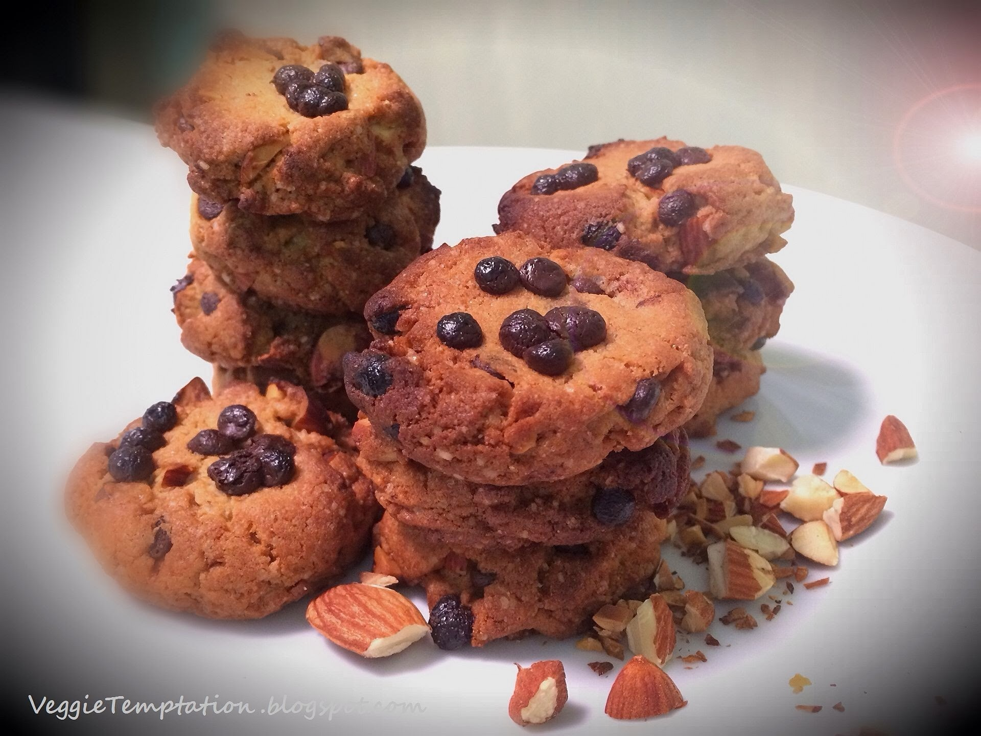 Eggless Chewy Choco-Chip & Almond Cookies (Whole Wheat)
