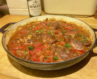 Baked chicken in harissa sauce