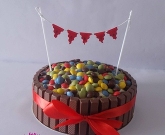 Tarta de Kit Kat y Lacasitos