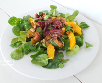 Salade de gésiers de canard (Labeyrie) oranges et figues (duck gizzard salad (Labeyrie) with oranges and figs