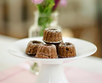 Recipe: Mini Chocolate Almond Cakes