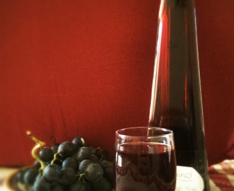 Liquore di uva fragola/ Concord grape liqueur