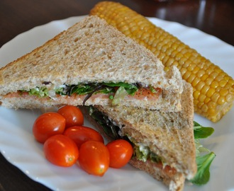 Todays Lunch: Salmon Sandwich on Corn Cob Side