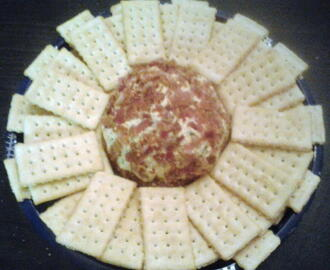 Apple Smoked Cheddar and Bacon Cheese Ball