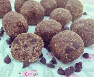 Paleo Raw Cookie Dough Lactation Balls