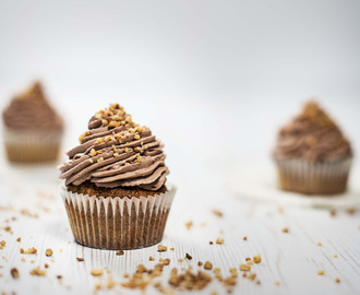 Haselnuss Cupcakes mit Nougattopping