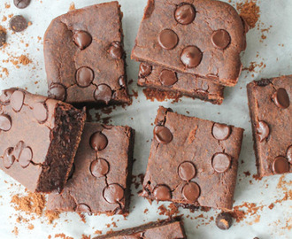 Fudgy Black Bean Brownies – Gluten Free & Vegan