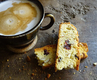 Cakes & Bakes: Cranberry almond biscotti