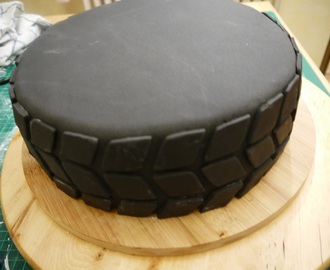 motorrad torte rezepte mytaste. Black Bedroom Furniture Sets. Home Design Ideas