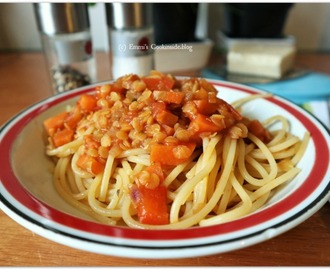 Spaghetti with red lentils Bolognese, delicious vegetarian dish