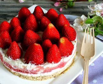 ♡ Lowcarb No Bake Erdbeer Torte