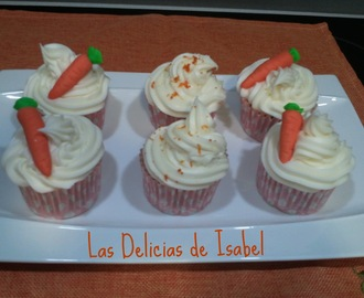 Carrot cupcakes con cream cheese frosting