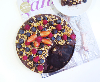 Chocolate cake with black beans & protein.