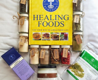 Review: Neal's Yard Remedies Superfood Hamper