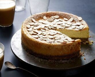 Ricotta Cheesecake With Almonds