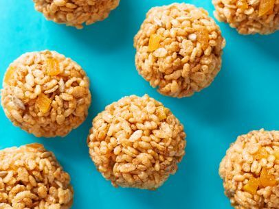 Kids Can Make: Puffed Rice Snowballs