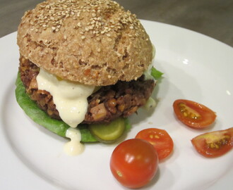 Vegan MoFo #22: Thrive-Cereal & NMA-Burger on VFF-Buns