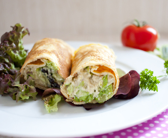 Low Carb Caesar Salad Crêpes