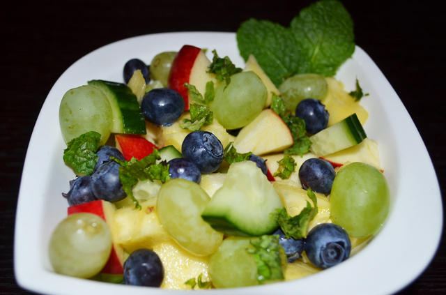 Vegetable-Fruit Salad: Pineapple and Grapes with Gherkin and Mint