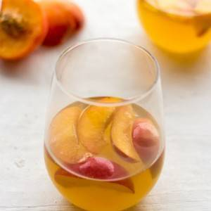 White Wine Cocktail with Peaches and Honey Fig Syrup for #Brunchweek