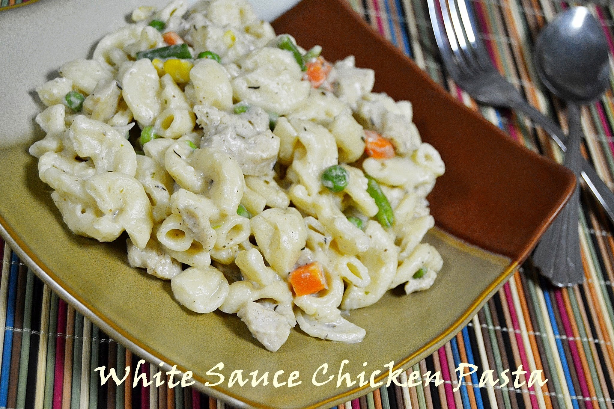 Chicken Pasta in White Sauce