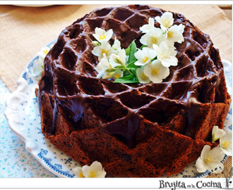 Banana, walnuts and chocolate bundt cake - National Bundt 2015