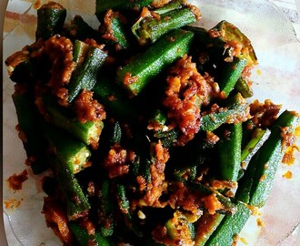 Spicy Onion Ladies Finger (Bhendi Ulli Kharam)