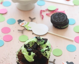 Mint Oreo Cupcakes for Christmas + Etsy GIVEAWAY